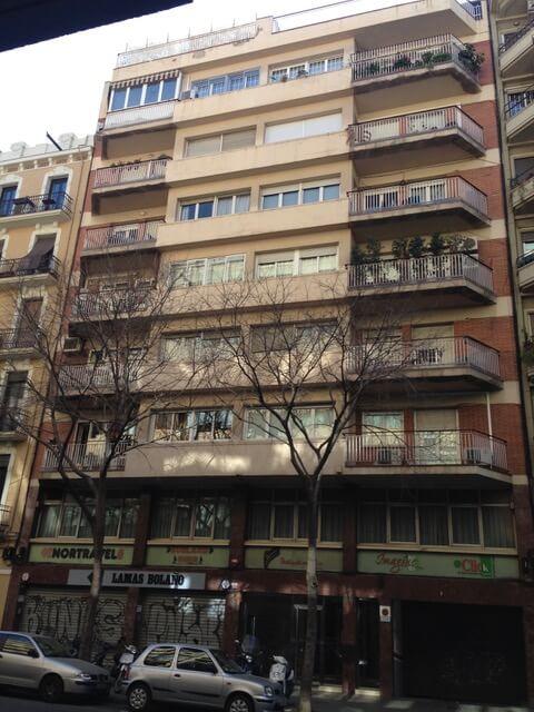 reforma fachada edificio barcelona
